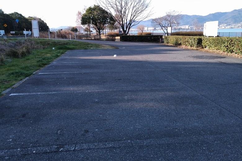 西側の真ん中にある、矢橋帰帆島2駐車場