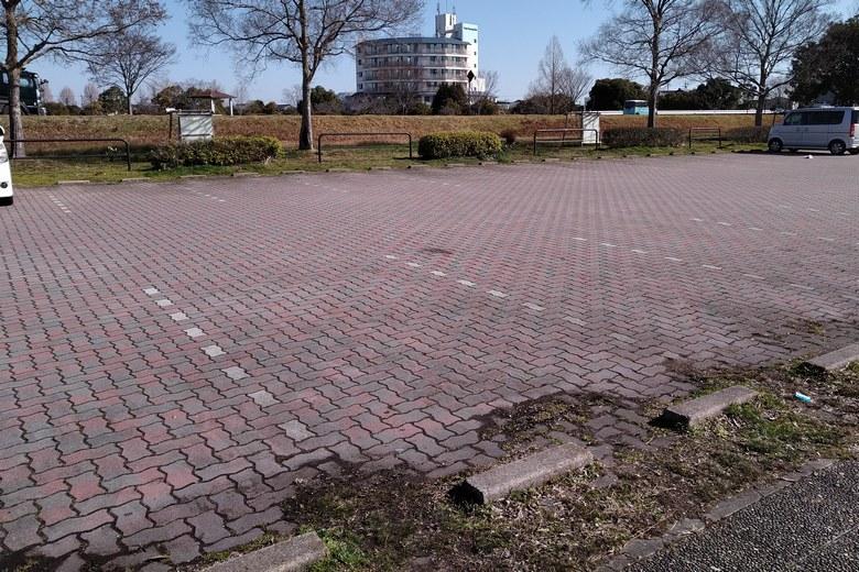 湖岸緑地・北山田1の駐車場