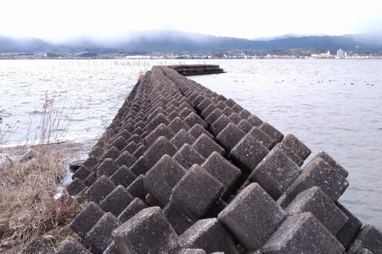 木浜3号水門のテトラブロックの防波堤