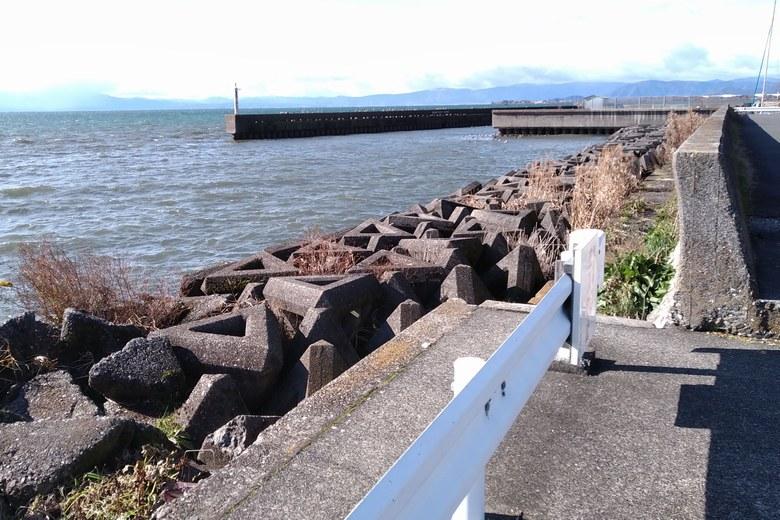 立入禁止の、大島漁港前のエリア