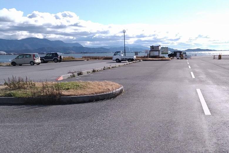 長浜港の、南側の駐車場