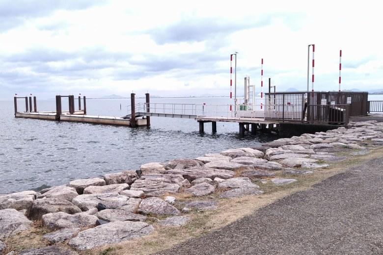 諸子川の西にある桟橋