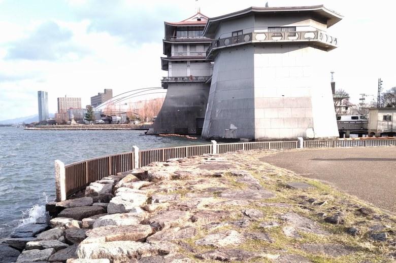 琵琶湖文化館の前のポイント