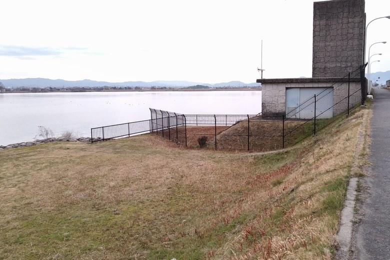 下物内湖の水門周りのエリア