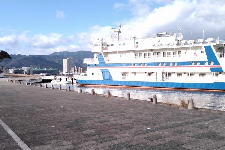 大津港のびわ湖クルーズの乗り場
