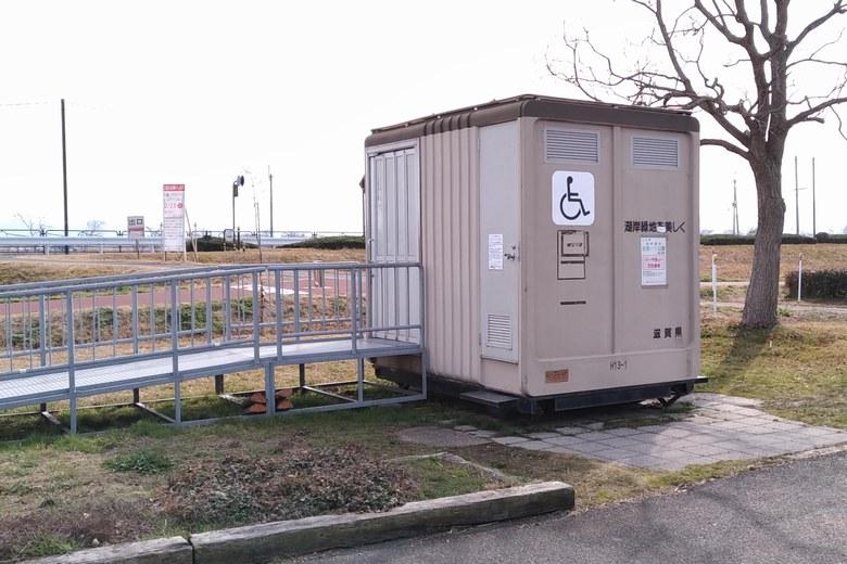 志那1北に設置されている簡易トイレ