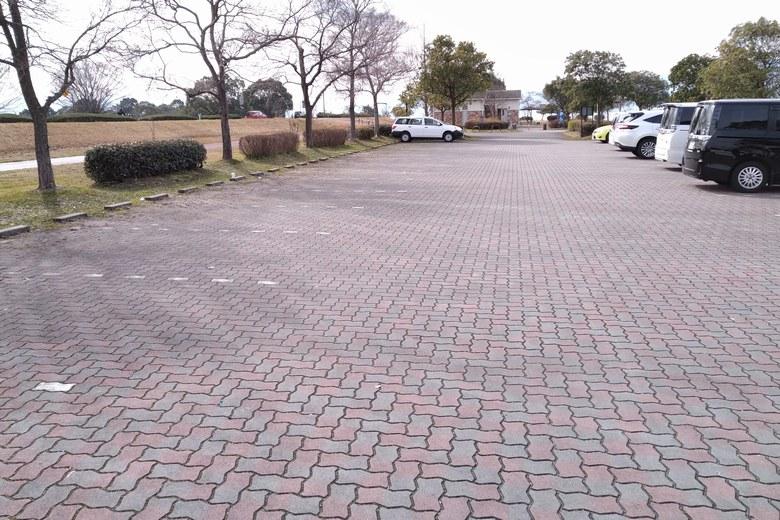 志那2の駐車場