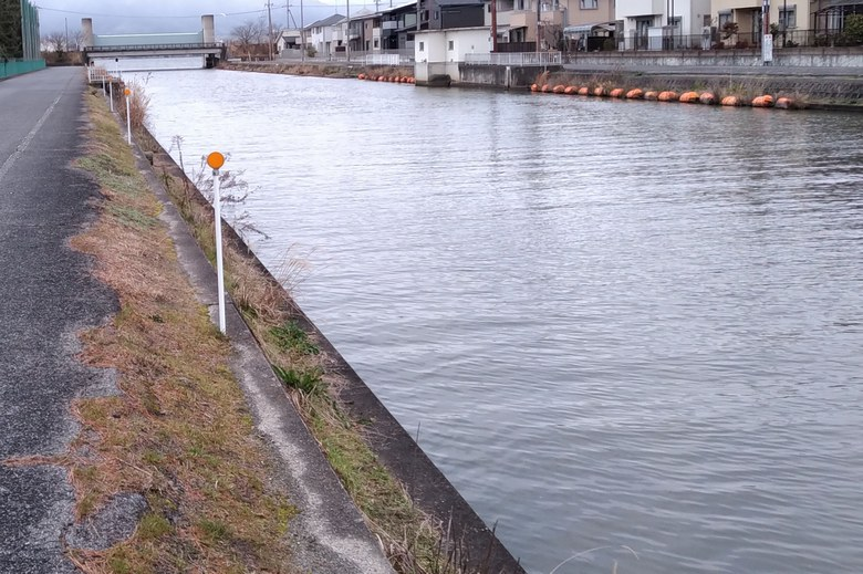 木浜3号水路のコンクリート護岸
