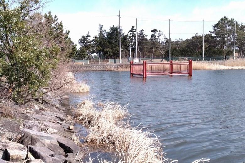 木浜5号水路にある取水塔
