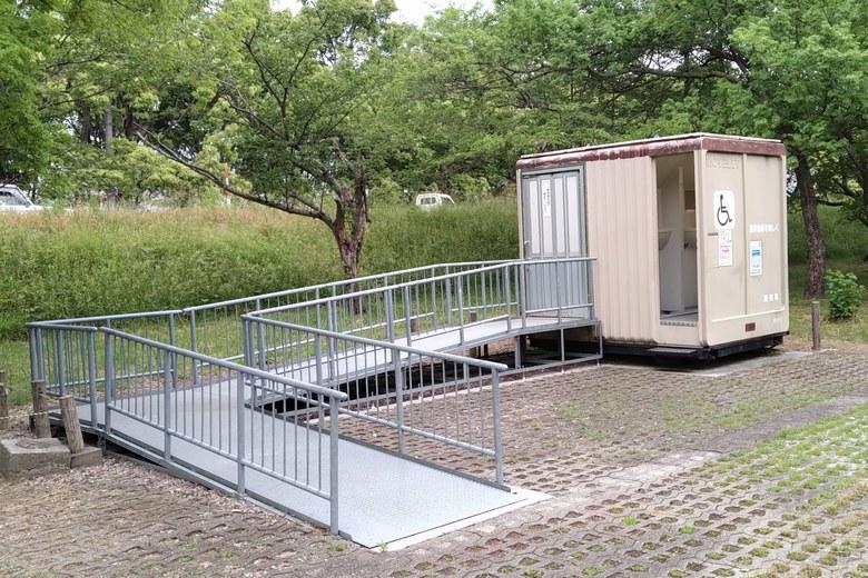 湖岸緑地・川道の簡易トイレ