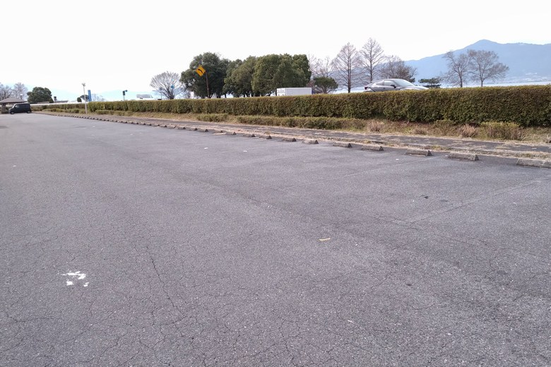 津田江1の東側の駐車場