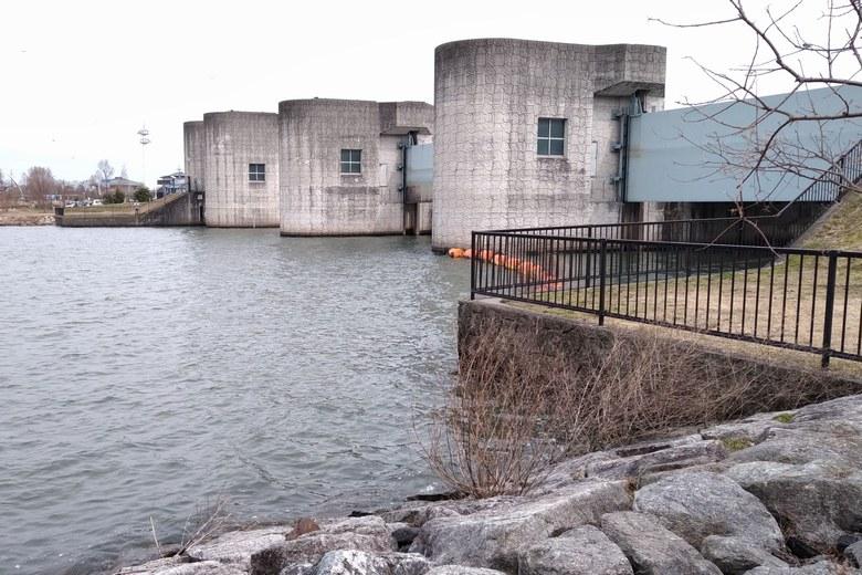 津田江2の北にある水門