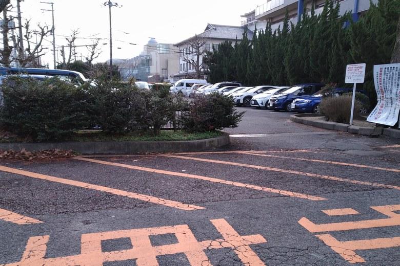 膳所城跡公園の駐車場