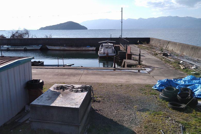 愛知川河口の南にある、出在家漁港