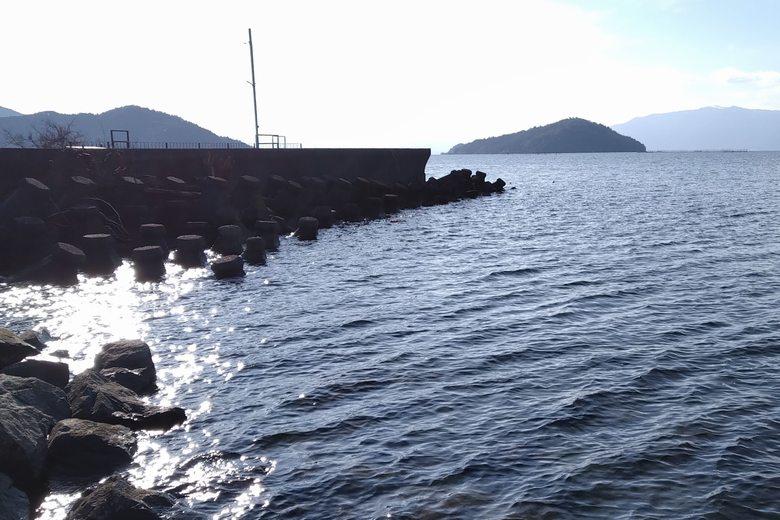 出在家漁港の周りにあるテトラブロック