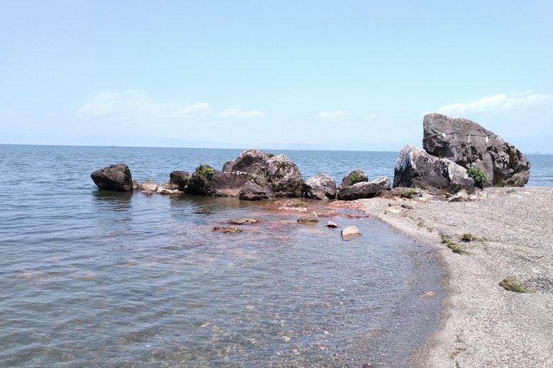 烏帽子岩と琵琶湖