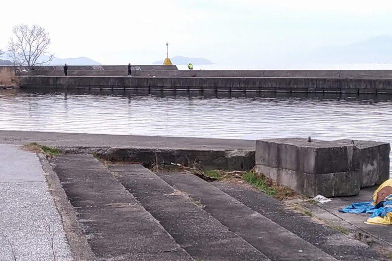 彦根港の小突提は釣り人が多い