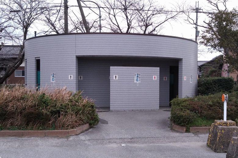 彦根港にある公衆トイレ