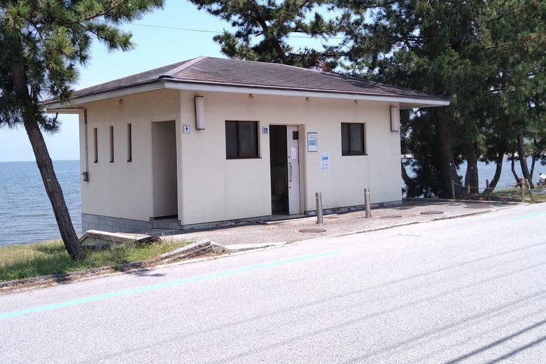 松原水泳場の公衆トイレ