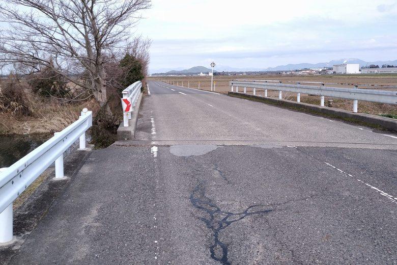 瓜生川と目﨑橋