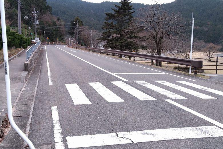 宮ヶ浜を通る、県道25号線