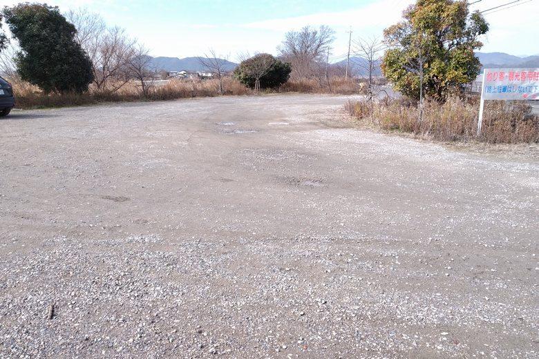 西の湖の、釣り客・観光客用駐車場