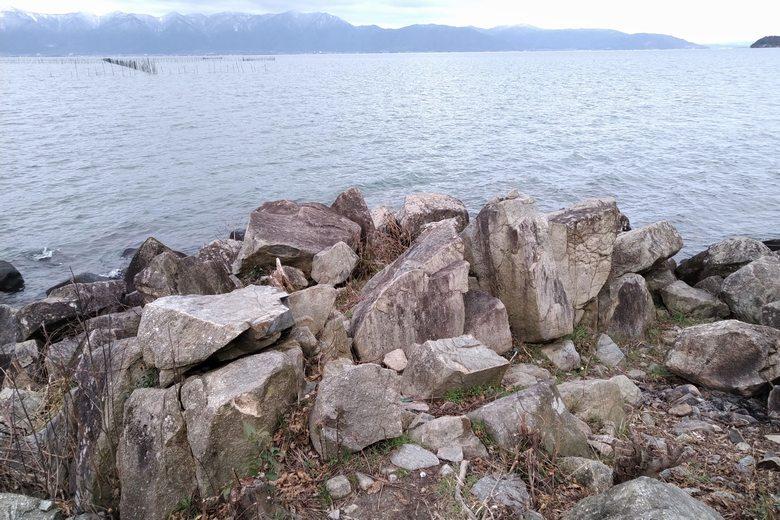 猿ヶ崎の岬上にある大岩