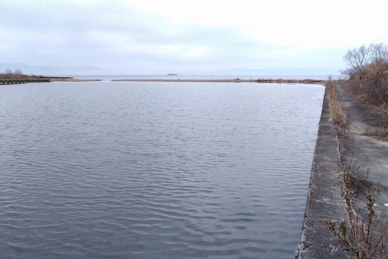 芹川の河口とサンドバー