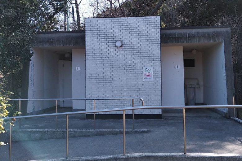 曽根沼の南東にある公衆トイレ