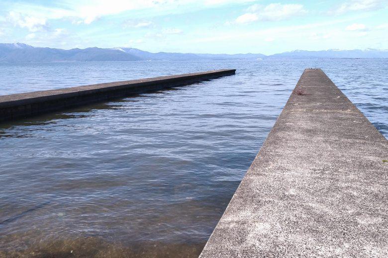 約100mの長さがある、湖岸緑地・田附の突提