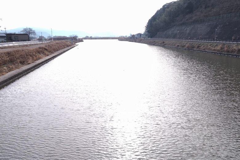 白王橋から見た長命寺川