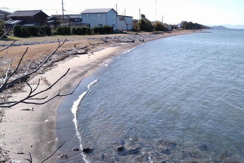 宇曽川河口の南の砂浜