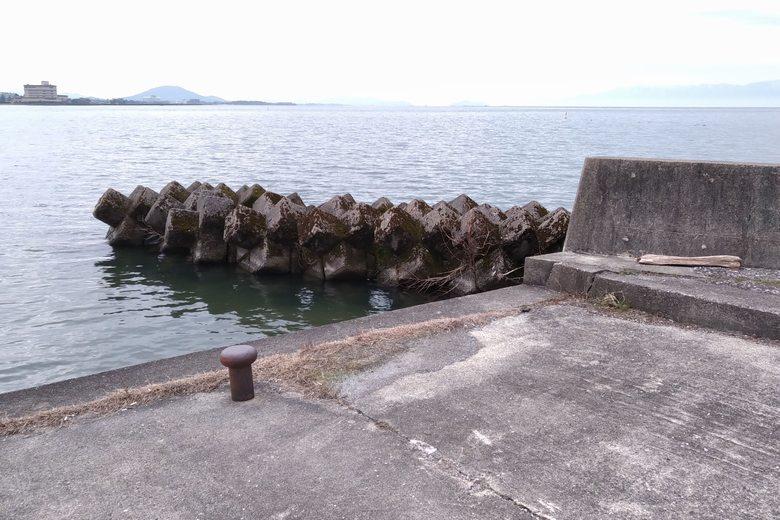 矢倉川河口の北にあるテトラブロック