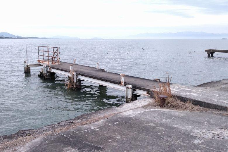 矢倉川河口のスロープにある桟橋