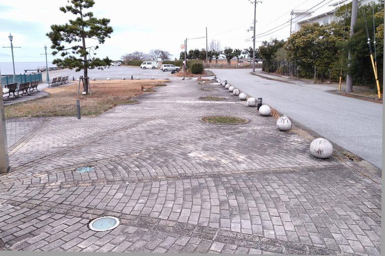 矢倉川河口の広場