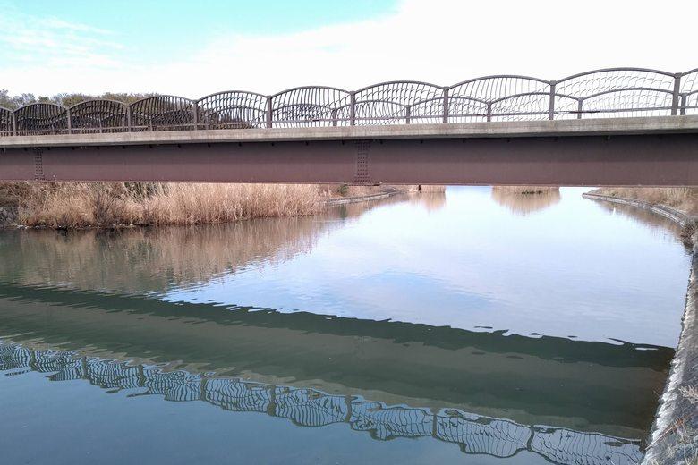 山本川に架かる永代橋