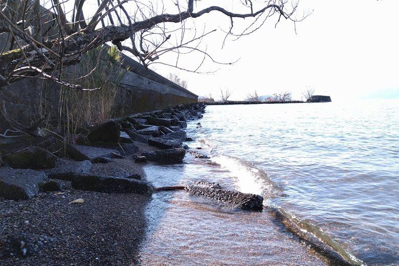 柳川漁港の防波堤の外側