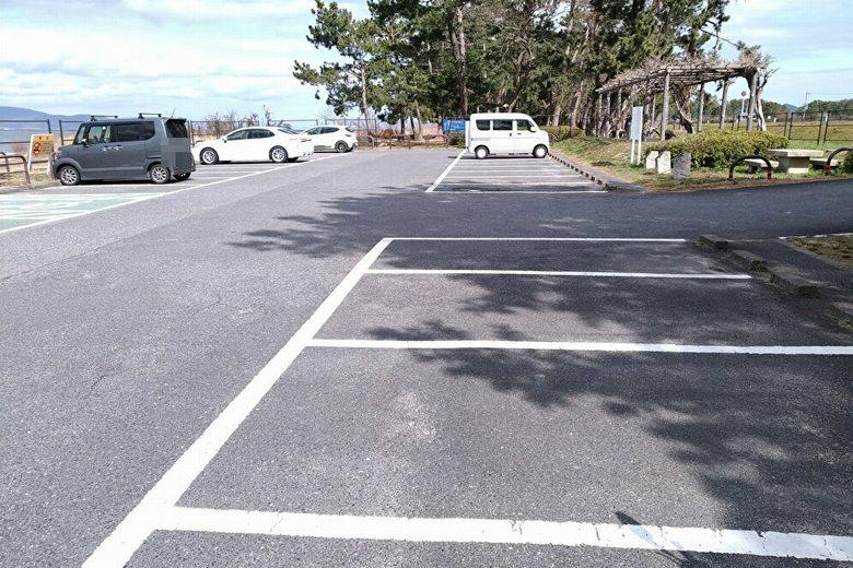 湖岸緑地・吉川の駐車場