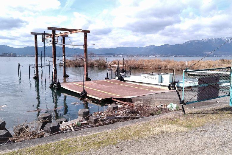 鮎家の郷の北の船着き場