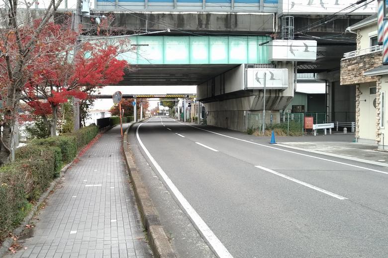 名神の高架と県道29号線