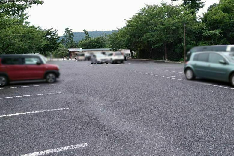 南郷公園の無料の駐車場
