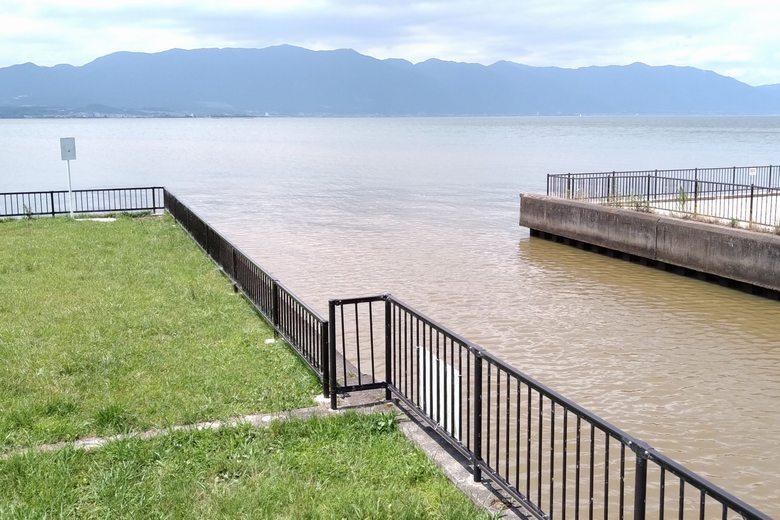 濁りが強い時の、幸津川水門エリア