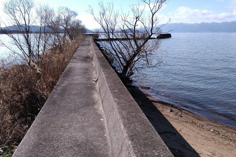 柳川漁港の防波堤