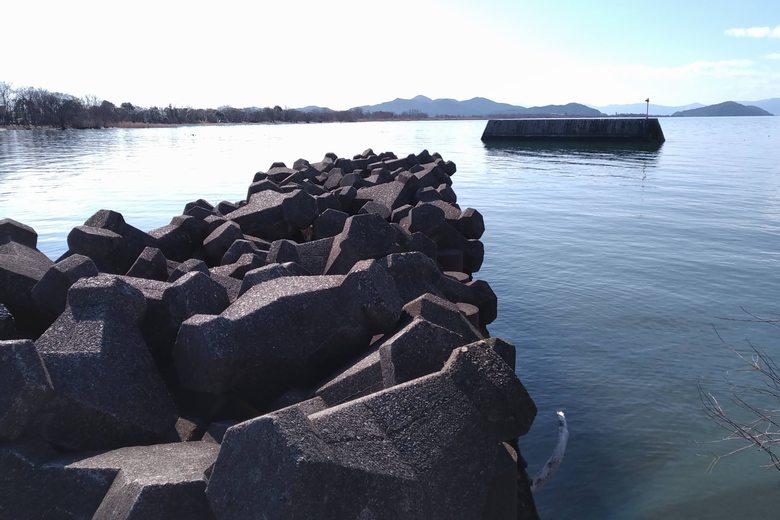 柳川漁港のテトラブロックと一文字
