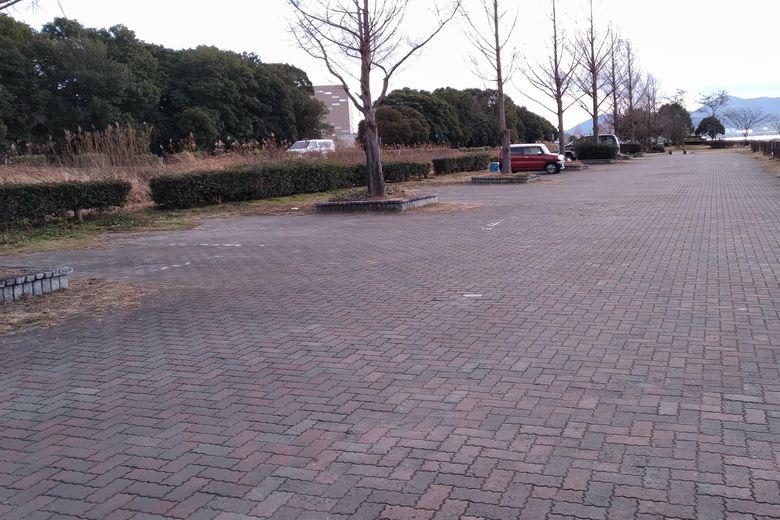 帰帆島の北にある「帰帆島3」の駐車場