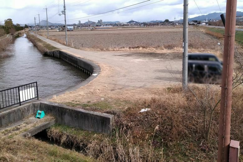 伯母川河口の近くの駐車エリア